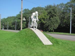 Памятник велосипедистам Харьков