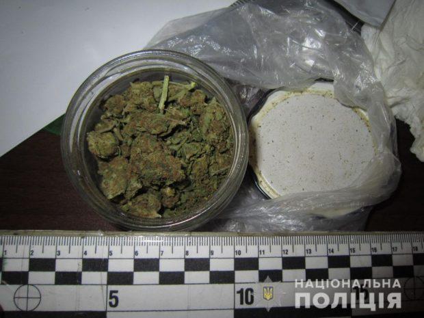"""В Харькове """"копы"""" задержали двух марокканцев за хранение наркотиков"""