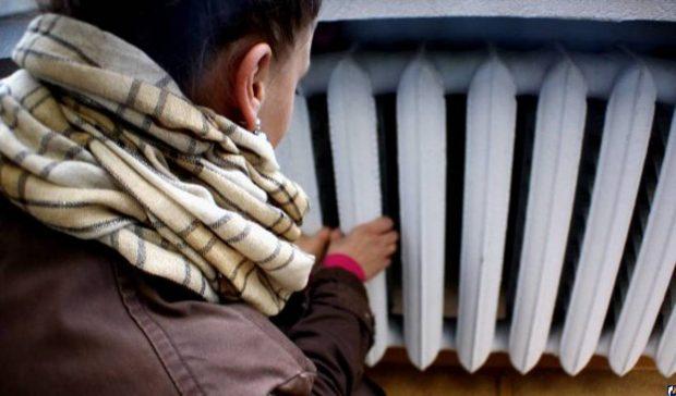 Жильцам дома в центре Харькова, где до сих пор нет отопления, коммунальщики посоветовали перекрыть дорогу