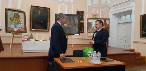 Харьковская и Черниговская ОГА будут сотрудничать в областях культуры, туризма и охраны культурного наследия
