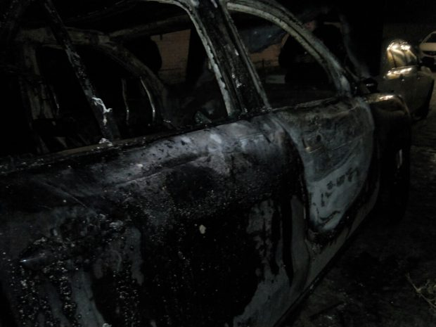 На Салтовке сгорел новый Mercedes