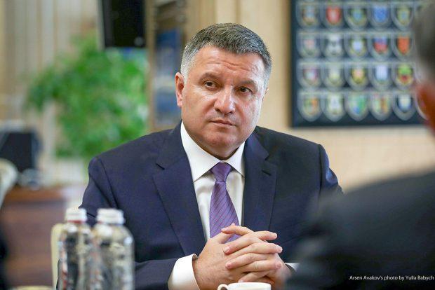 Арсен Аваков заявил, что баллотироваться не будет и гарантирует честные выборы