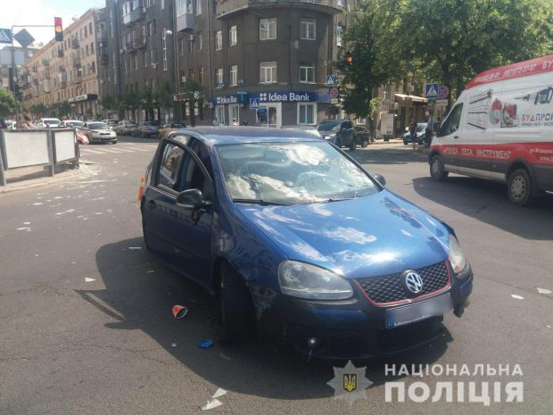 В Харькове водитель авто на пешеходном переходе сбил женщину