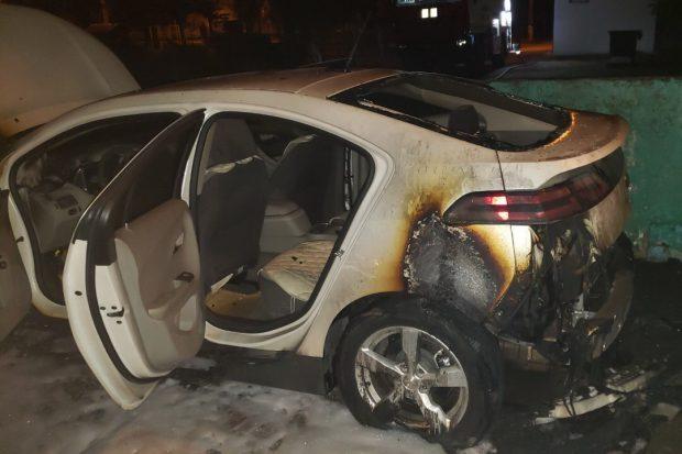 На Салтовке ночью сгорел Chevrolet Volt