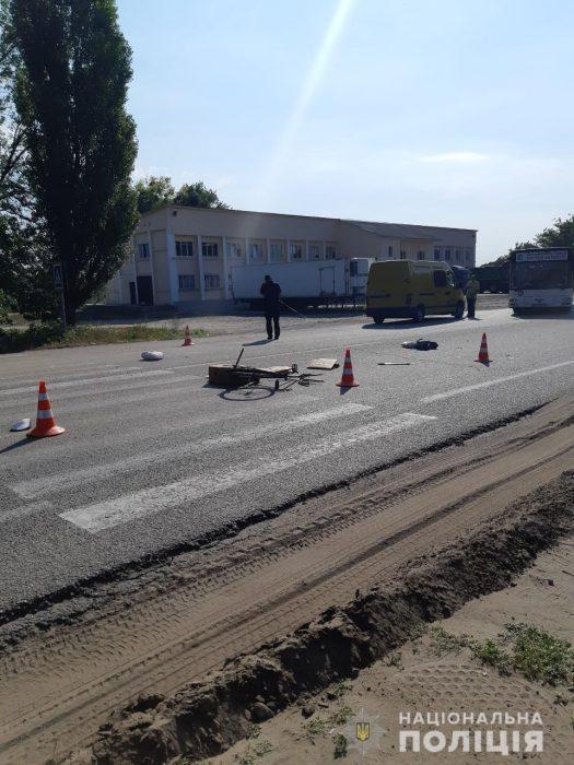 Под Харьковом водитель микроавтобуса сбил велосипедиста