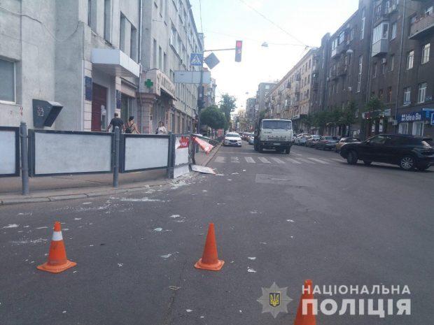 Иностранец, который в Харькове сбил на пешеходном переходе девушку, покинул территорию Украины