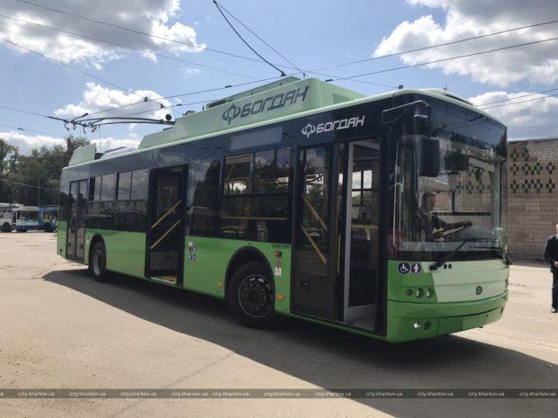 Новые троллейбусы вышли на маршруты города