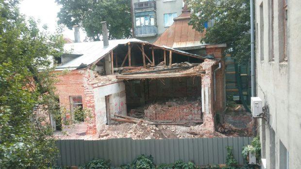 В центре Харькова рушат памятник архитектуры и строят на его месте высотный дом