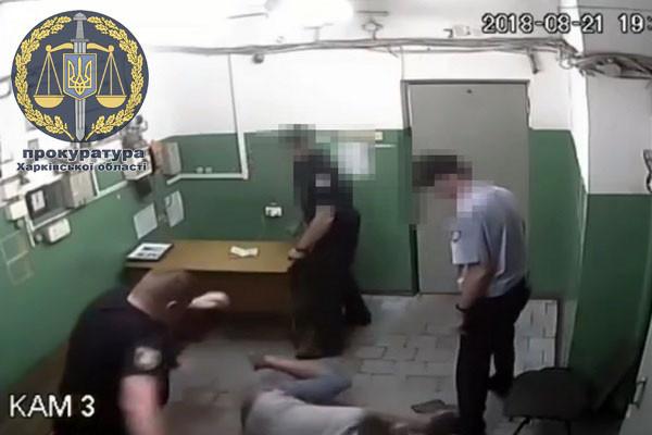 Издевательства полицейских над пассажирами в метро: дело передали в суд