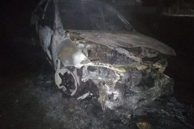 Под Харьковом сгорел автомобиль: есть погибший