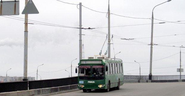 На Коммунальном мосту возобновляется движение троллейбусов