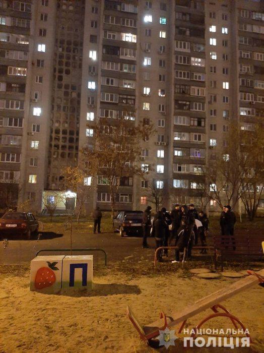 Полицейские задержали группу иностранцев, которые занимались разбоем на территории Харькова