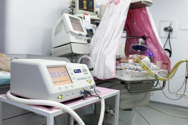 Региональный перинатальный центр получил оборудование для спасения малышей, переживших нехватку кислорода