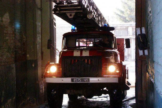 В Харькове во время пожара погибла женщина и отравилось трое детей
